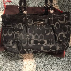 Beautiful!!!  Like new!!!  Coach bag!!